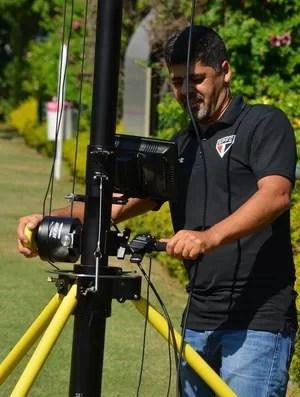 tripé câmera treino São Paulo (Foto: Érico Leonan/www.saopaulofc.net)