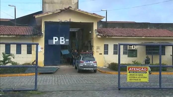 Detentos estão sendo recapturadas desde a madrugada desta segunda-feira (10) — Foto: Reprodução/TV Cabo Branco