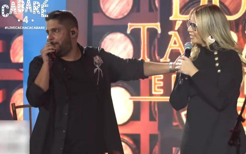 Jorge e Marília Mendonça em live que juntou Leonardo e Bruno Marrone — Foto: Reprodução/Youtube