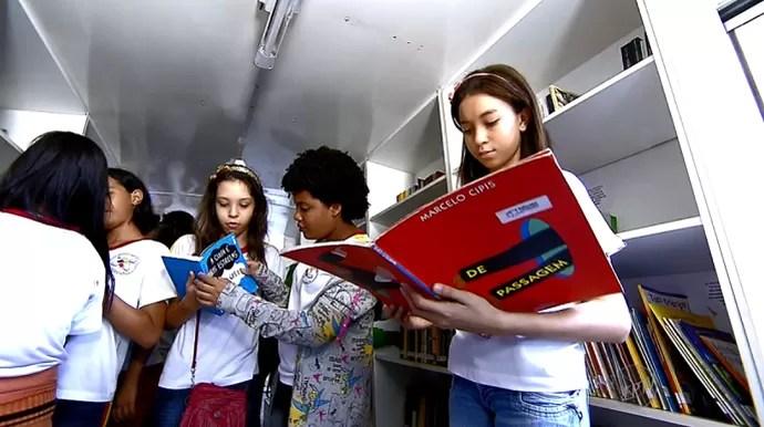 Resultado de imagem para Salas de leitura estimulam estudantes a mergulharem no mundo dos livros