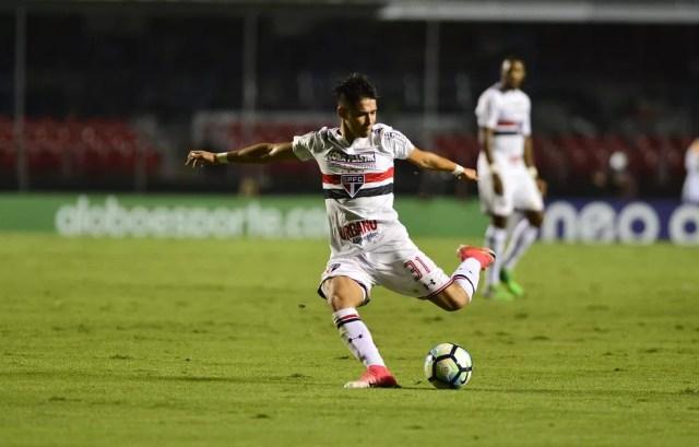 São Paulo negociou o atacante Luiz Araújo com o Lille, da França (Foto: Marcos Ribolli)