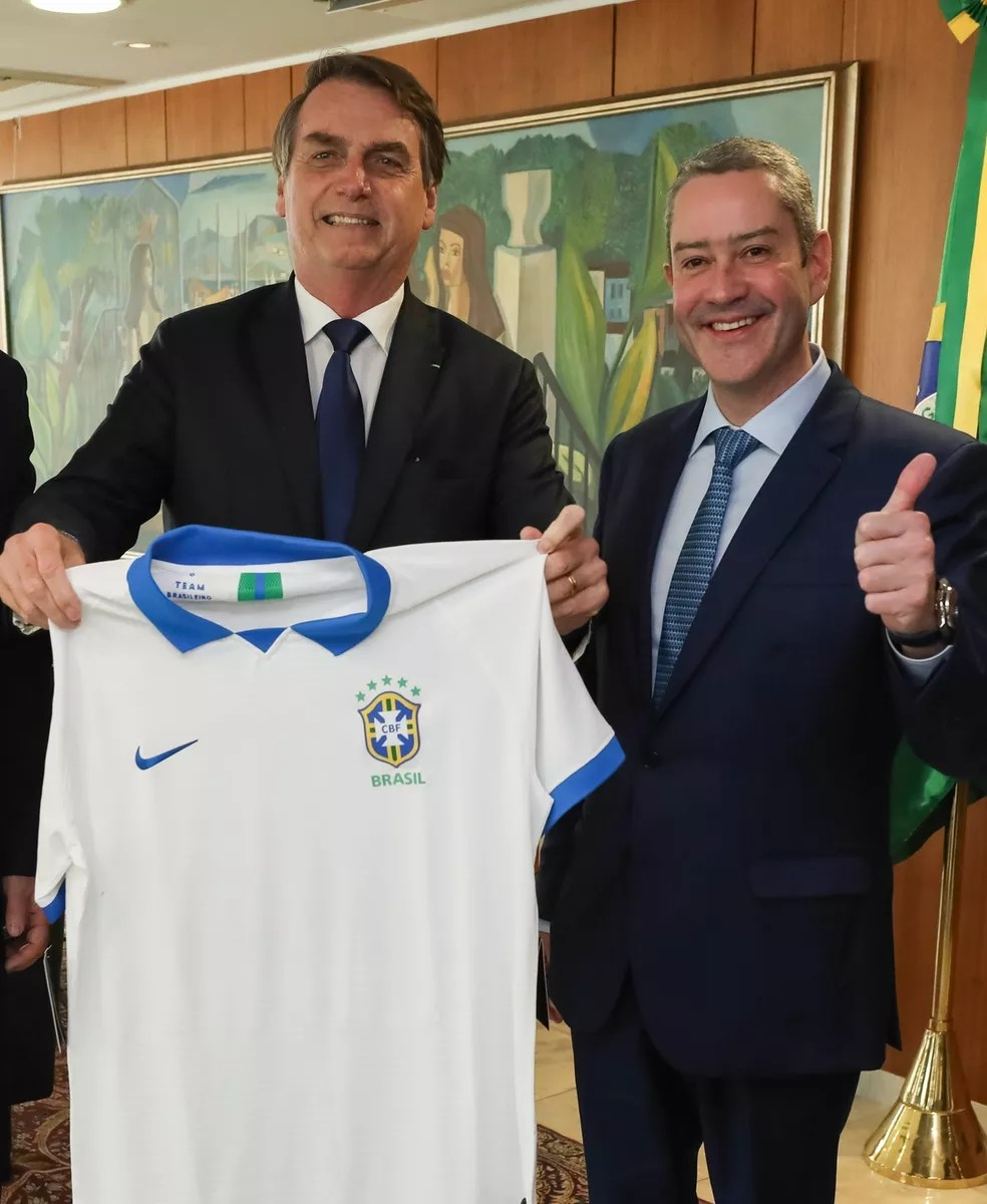 Rogério Caboclo em encontro com Jair Bolsonaro — Foto: Marcos Corrêa/PR
