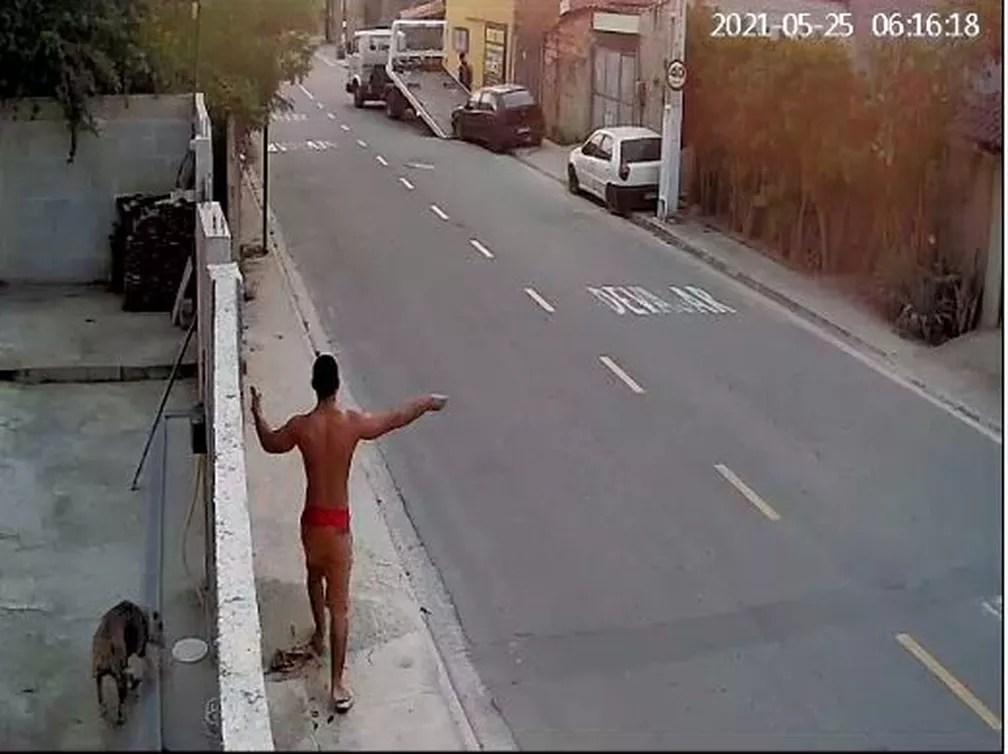Dono de veículo impede que carro seja levado por grupo criminoso — Foto: Reprodução/Internet