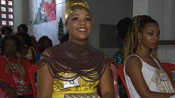 Cadeirante foi a primeira candidata a concorrer à Deus do Ébano na história do Ilê Aiyê — Foto: TV Bahia