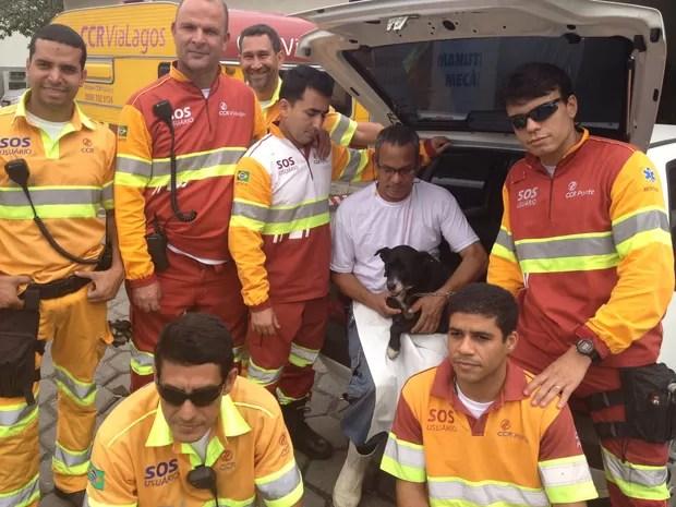 Equipe da concessionária chegou a fechar a ponte duas vezes para resgatar a cadela Nina (Foto: Matheus Giffoni/G1)