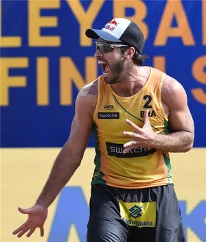 Bruno conquistou mais um título neste domingo (Foto: Divulgação/FIVB)
