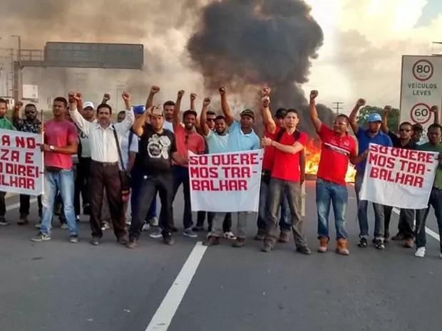 Manifestação (Foto: Everaldo Lins / site Visão Diária)