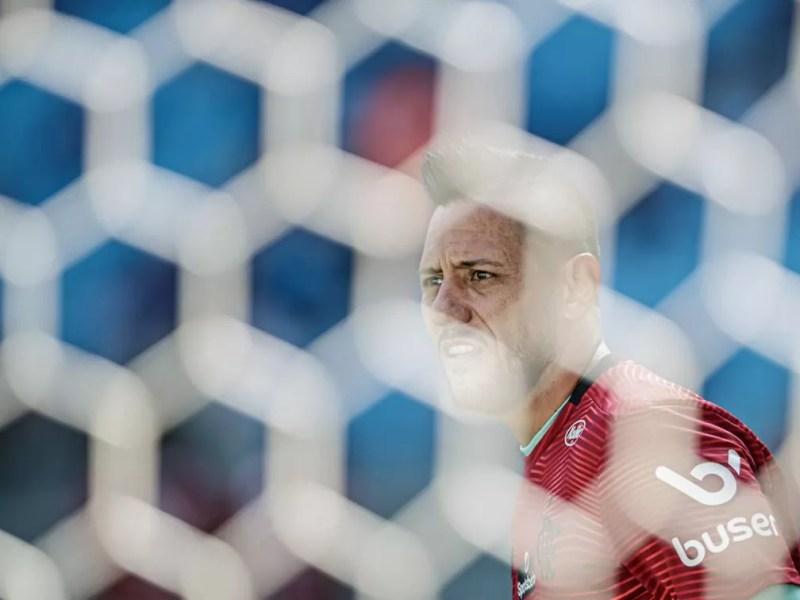 Diego Alves renova com Flamengo por um ano — Foto: André Mourão / FOTO FC