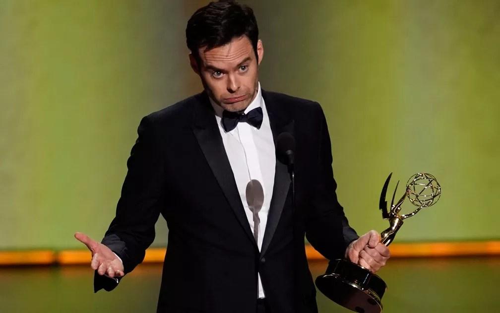 Bill Hader aceita o prêmio de melhor ator de comédia por 'Barry', no 71º Emmy no Microsoft Theatre, em Los Angeles, no domingo (22) — Foto: Reuters/Mike Blake