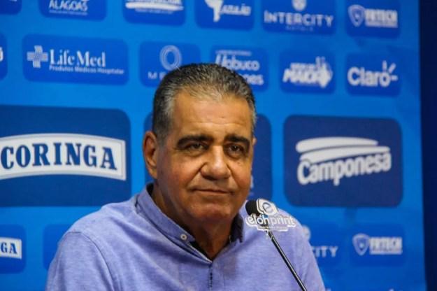 Raimundo disse que legislação dá o direito de valor ser mantido em sigilo — Foto: Denison Roma/GloboEsporte.com