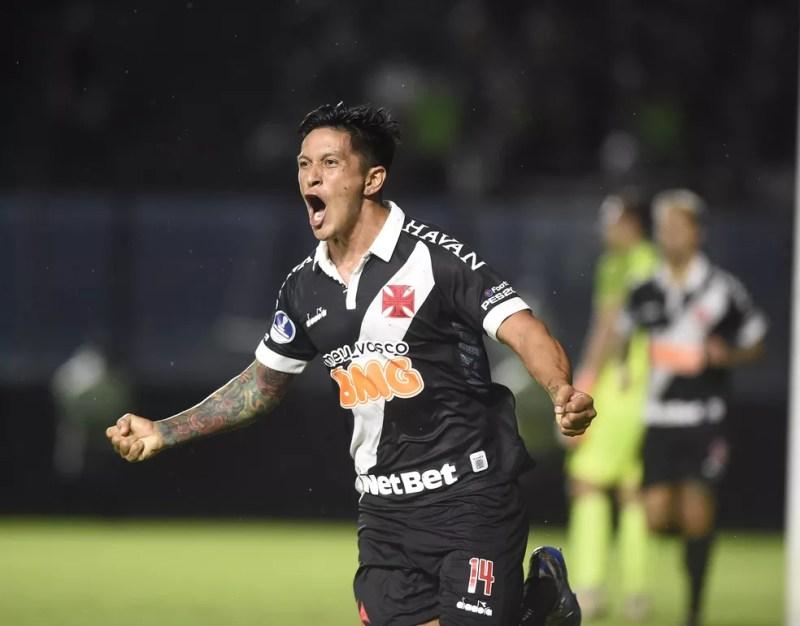 Germán Cano comemora gol pelo Vasco — Foto: André Durão