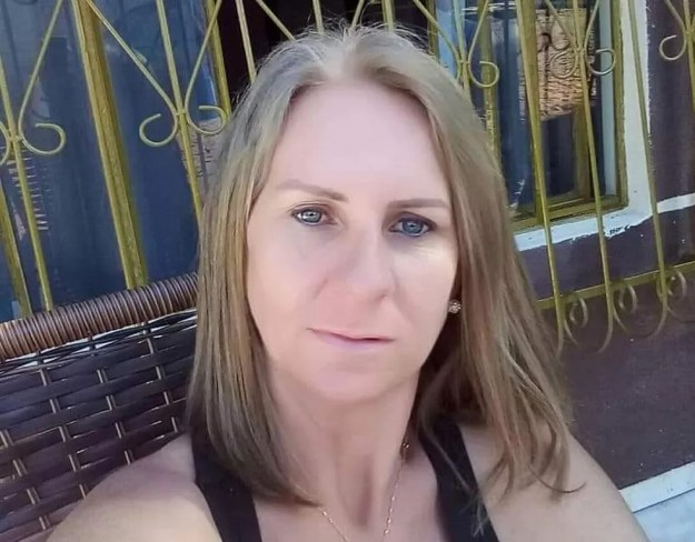 A dona de casa Rose Shmitz foi atingida por dois tiros enquanto estava em casa na noite de quinta-feira (5) — Foto: Arquivo Pessoal