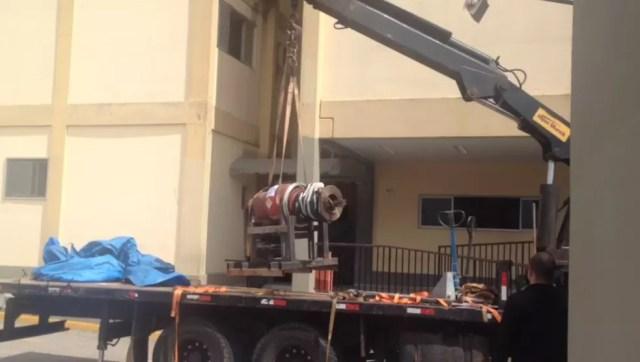 Transporte da pastilha de cobalto até a Santa Casa demandou transporte especial (Foto: Divulgação)