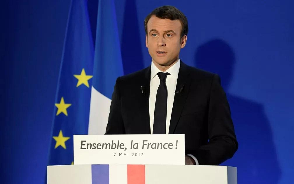 Presidente eleito Emmanuel Macron discursa após primeiros resultados eleitorais  (Foto: Lionel Bonaventure/Pool/Reuters)