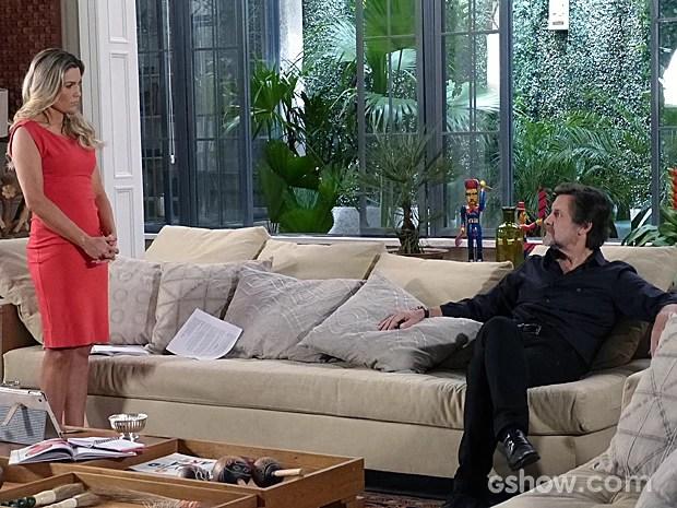 Cara de pau! LC aparee na casa de Heloísa (Foto: Além do Horizonte/TV Globo)