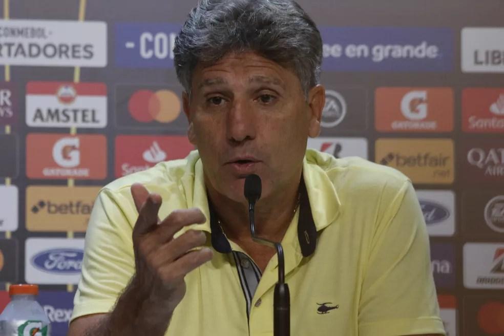 Renato Gaúcho em entrevista coletiva na Arena — Foto: Eduardo Moura