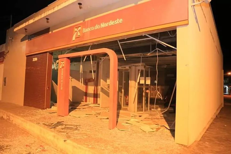 Banco do Nordeste foi um dos atingidos por bandidos em Tutóia — Foto: Divulgação / Polícia Militar
