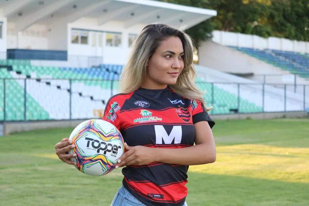 FOTOS: veja o ensaio de Indyannara Karyn. musa do Flamengo-PI | campeonato piauiense | Globoesporte
