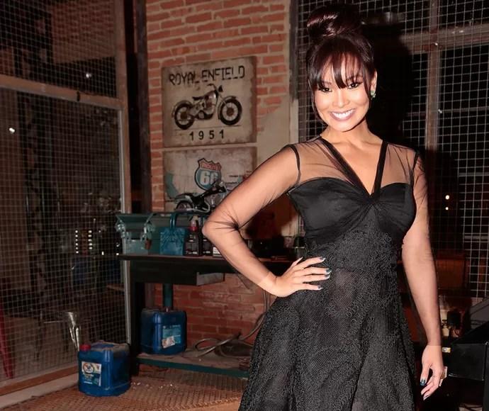 Carol Nakamura também optou por vestido preto (Foto: Felipe Monteiro/Gshow)