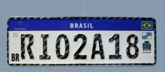 Placas do Mercosul no Rio de Janeiro — Foto: Reprodução/TV Globo