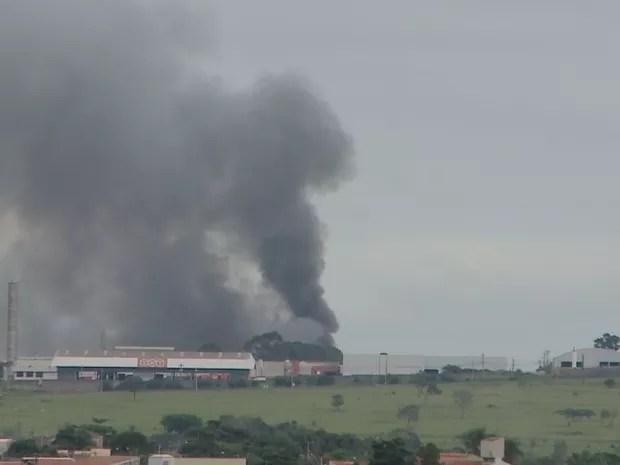 Fogo foi ateado em penitenciária (Foto: Reprodução/TV TEM)