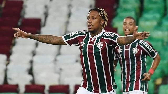 dsc-6542 Com nove cartões, primeiro jogo da final do Carioca termina empatado entre Fluminense e Flamengo