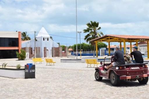 Praça de Galinhos, na Costa Branca potiguar. Município terá novas eleições em junho deste ano. (Foto: Maxwell Almeida)