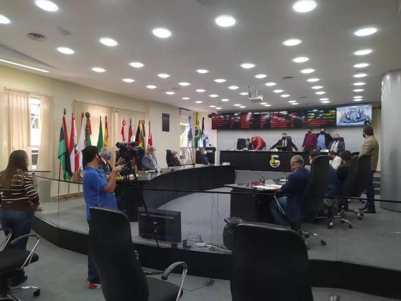 Contas do prefeito de Nova Friburgo, Renato Bravo, são reprovadas após votação na Câmara de Vereadores — Foto: Ádison Ramos/Inter TV RJ