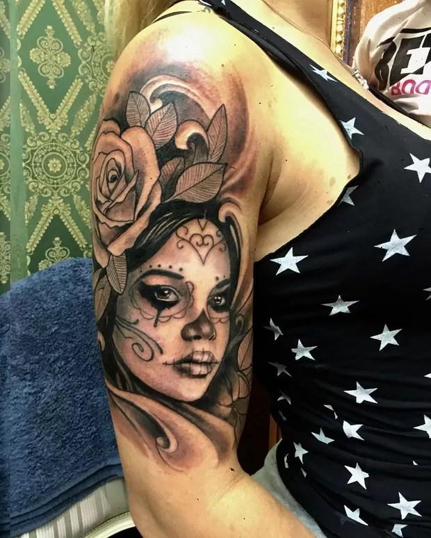 Tattoo Feminina No Braco Caveira Mexicana