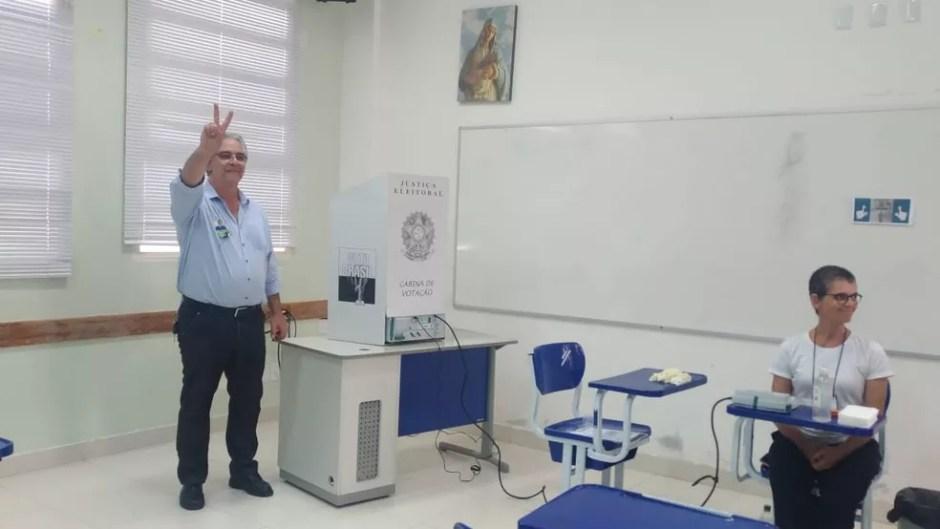 César Simoni vota em Palmas Eleições 2018 Tocantins — Foto: Jesana de Jesus/G1