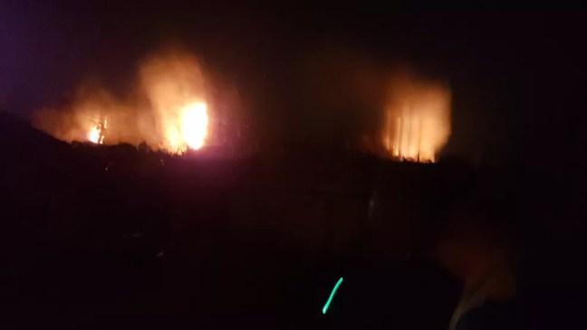 Constante queimada atinge vegetação perto de condomínio em Mairinque   — Foto: Arquivo Pessoal
