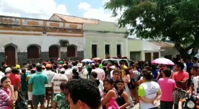 Padre é encontrado morto e enrolado em lençol dentro de casa em Borborema, PB