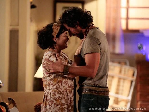 Lino reencontra Maria Adília (Foto: Flor do Caribe / TV Globo)