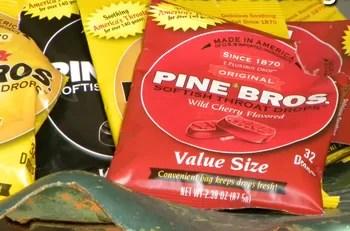 Marca de pastilhas Pine Bros divulgou novo acerto com Ryan Lochte (Foto: Divulgação)