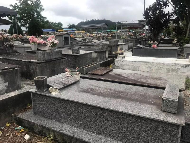 Cemitério do Itacorubi, em Florianópolis — Foto: Graciela Andrade/NSC TV