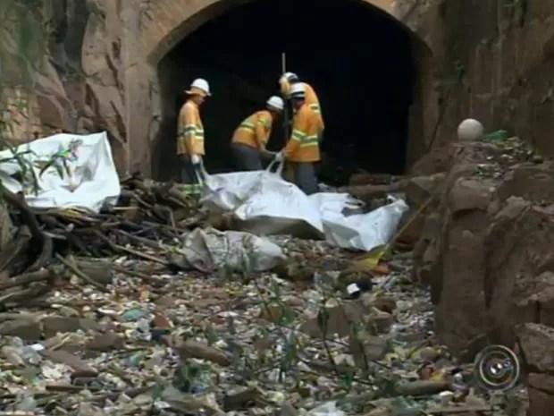 Salto organiza nova operação para a limpeza da outra margem do rio (Foto: Reprodução/TV Tem)