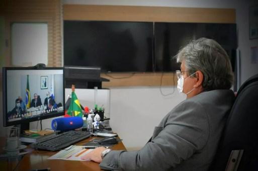 Governador João Azevêdo em reunião com o ministro da Saúde, Eduardo Pazuello — Foto: José Marques/Secom-PB