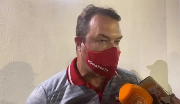 Roberto Fernandes admite queda de rendimento do CRB — Foto: Reprodução/CRB