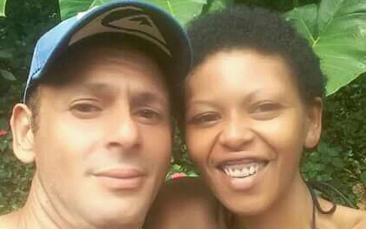 Sheron Chaves Monteiro, morta na noite de sexta-feira, acompanhada pelo companheiro, Alex Alexandre Ferreira, suspeito de tê-la queimado — Foto: Arquivo pessoal