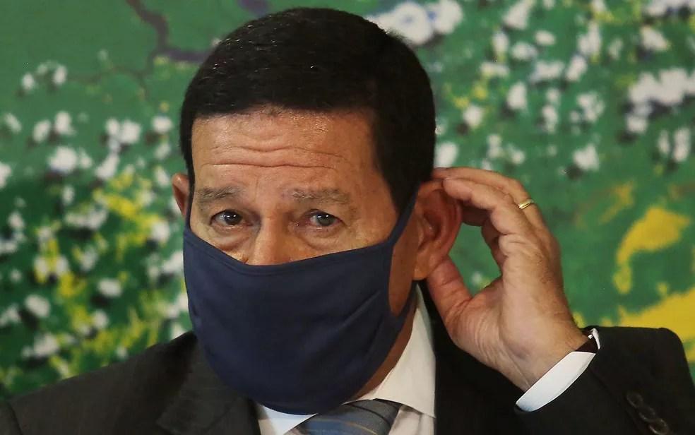 O vice-presidente, Hamilton Mourão, em imagem do dia 11 de maio — Foto: Wallace Martins/Futura Press/Estadão Conteúdo