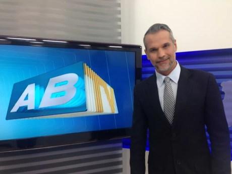 Alexandre Farias, apresentador do ABTV 2ª Edição (Foto: Joalline Nascimento/G1)