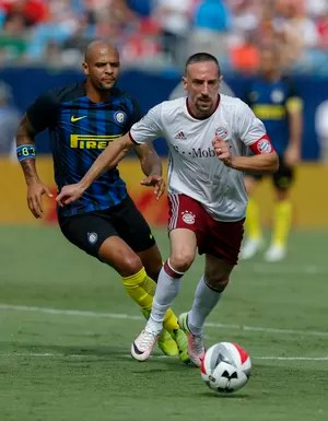 Ribéry e Felipe Melo no Bayern de Munique x Internazionale (Foto: Brian Westerholt/AP Images for International Champions Cup)