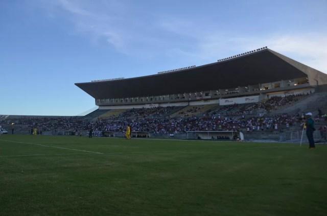Ainda sem vencer pela Série C, Botafogo recebe o líder CSA no Almeidão