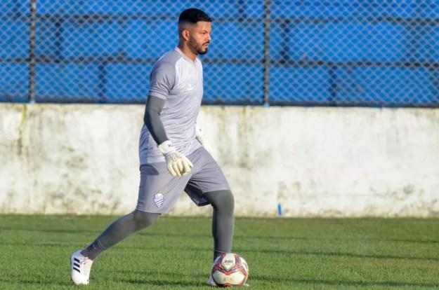 Thiago Rodrigues desfalca o CSA contra o Brasil de Pelotas — Foto: Augusto Oliveira/Ascom CSA