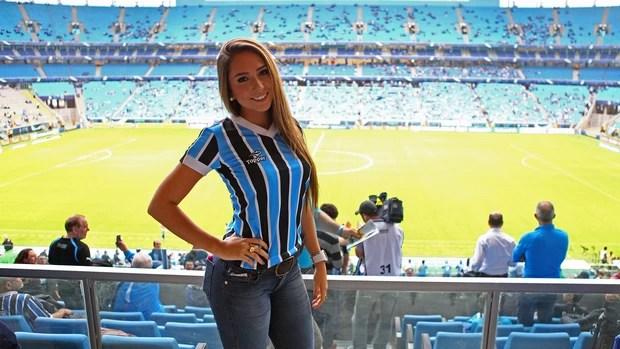 carol portaluppi filha renato gaúcho grêmio arena (Foto: Lucas Uebel/Grêmio FBPA)