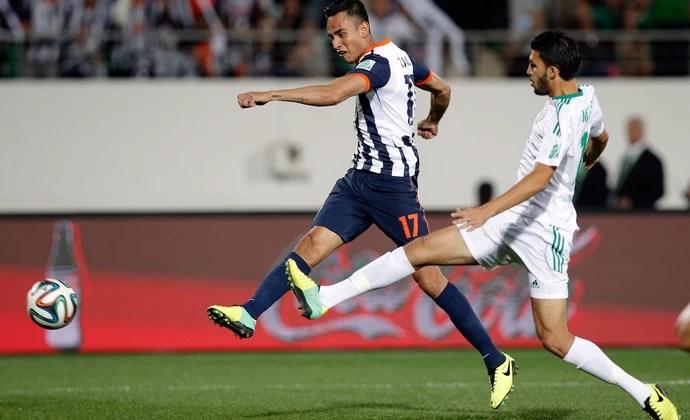 Mohamed Oulhaj eJesus Zavala Raja Casablanca x Monterrey (Foto: AP)