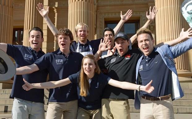 Os vencedores do concurso de melhor emprego do mundo (Foto: Greg Wood;/AFP)