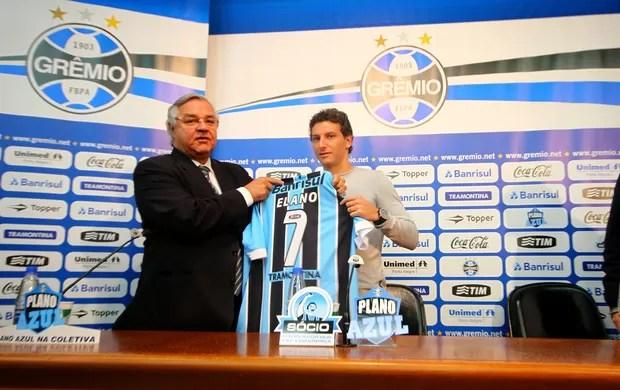 Elano é apresentado no Grêmio (Foto: Lucas Uebel/Divulgação, Grêmio)