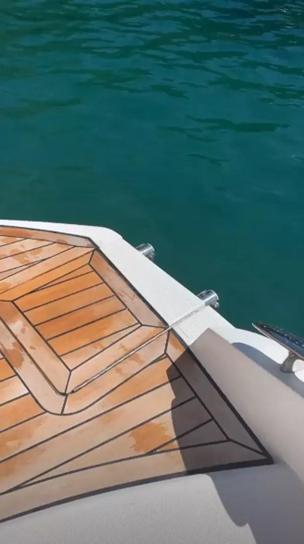 Último post de Caroline mostra barco (Foto: Reprodução Instagram)