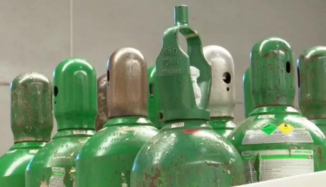Cilindros de oxigênio  — Foto: RPC Foz do Iguaçu